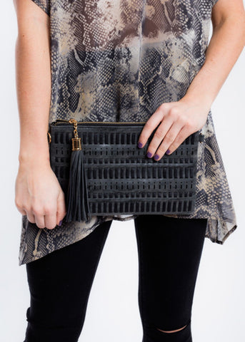 THE ESSENTIAL WOVEN CLUTCH