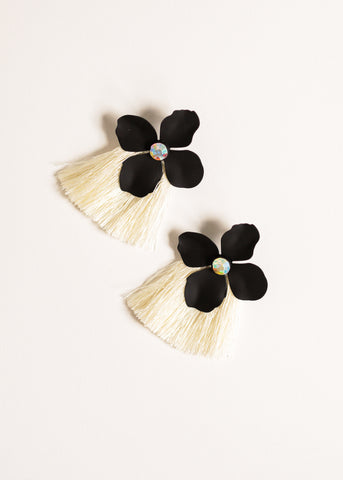 CUE THE CLASSIC FLOWER EARRINGS