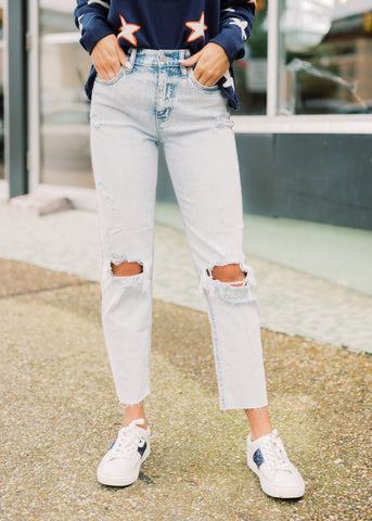 HIGH-RISE DISTRESSED STRAIGHT JEANS