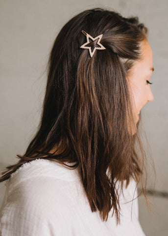 SHOOT FOR THE STARS PEARL HAIR CLIP