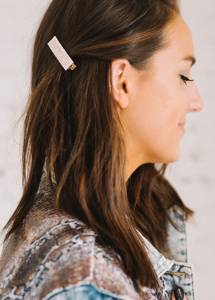 CATCH YOUR EYE HAIR CLIP