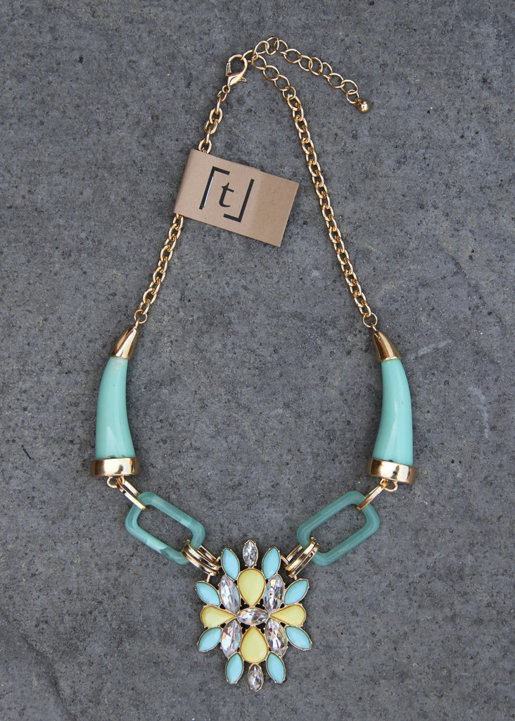 ABSTRACT LINK HORN NECKLACE