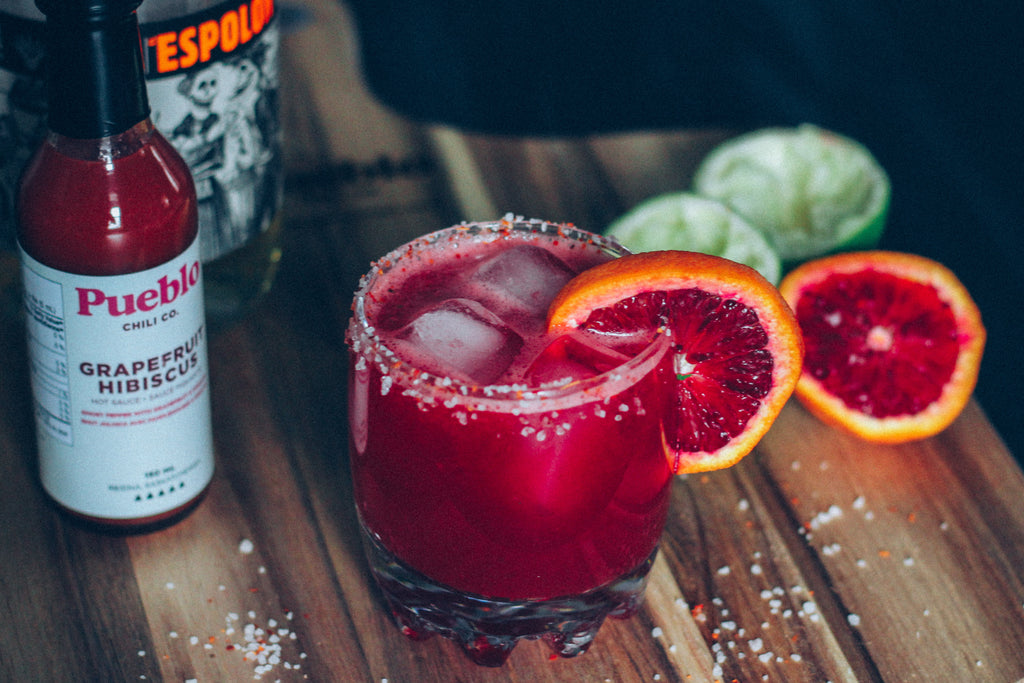 Receta: Blood Orange + Grapefruit Hibiscus Ghost Pepper Margarita