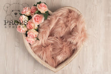 Load image into Gallery viewer, Mink Faux Furs Pink
