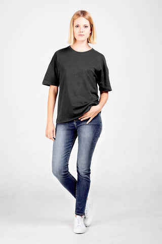 Relaxed tee - 10 sustainable closet essentials for a capsule wardrobe