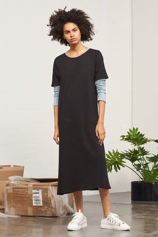 Tee shirt dress - 10 sustainable closet essentials for a capsule wardrobe