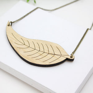 Leaf pendant necklace eco friendly