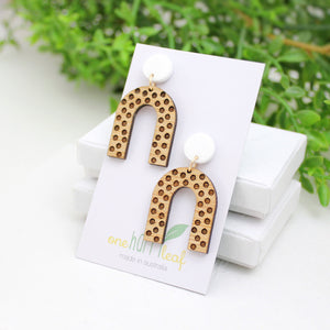 Dangle earring polka dot