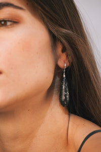 Úgō Earrings - Shiny Black