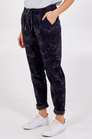Magic Camouflage Trousers (Extra Large)