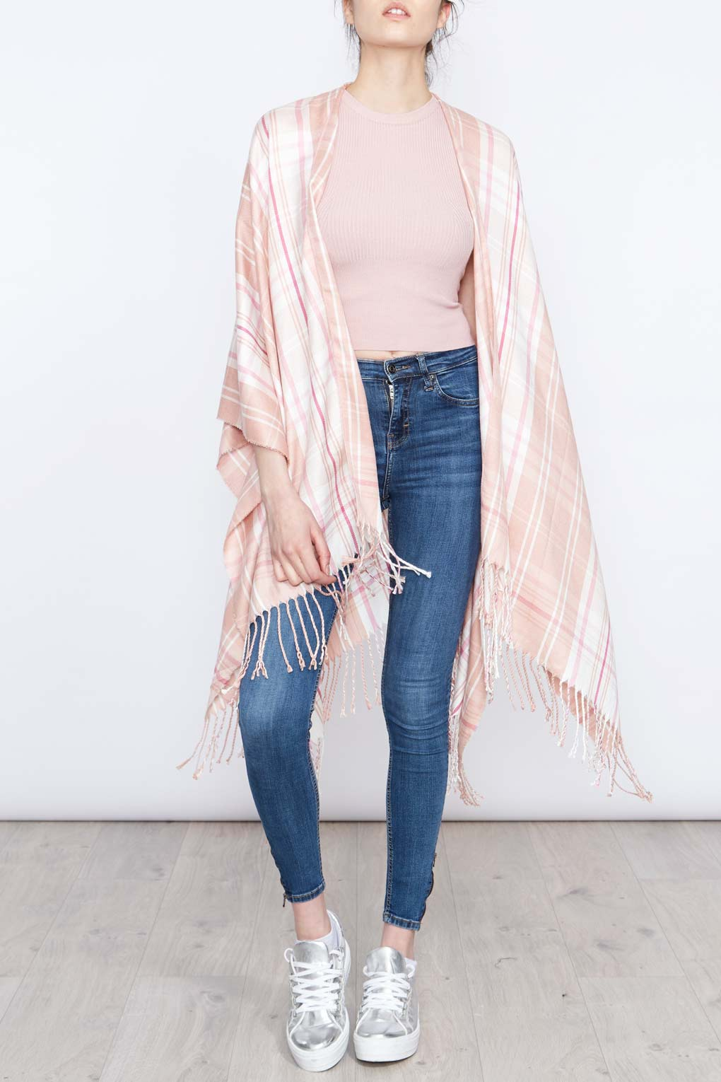 Check Cape With Fringe