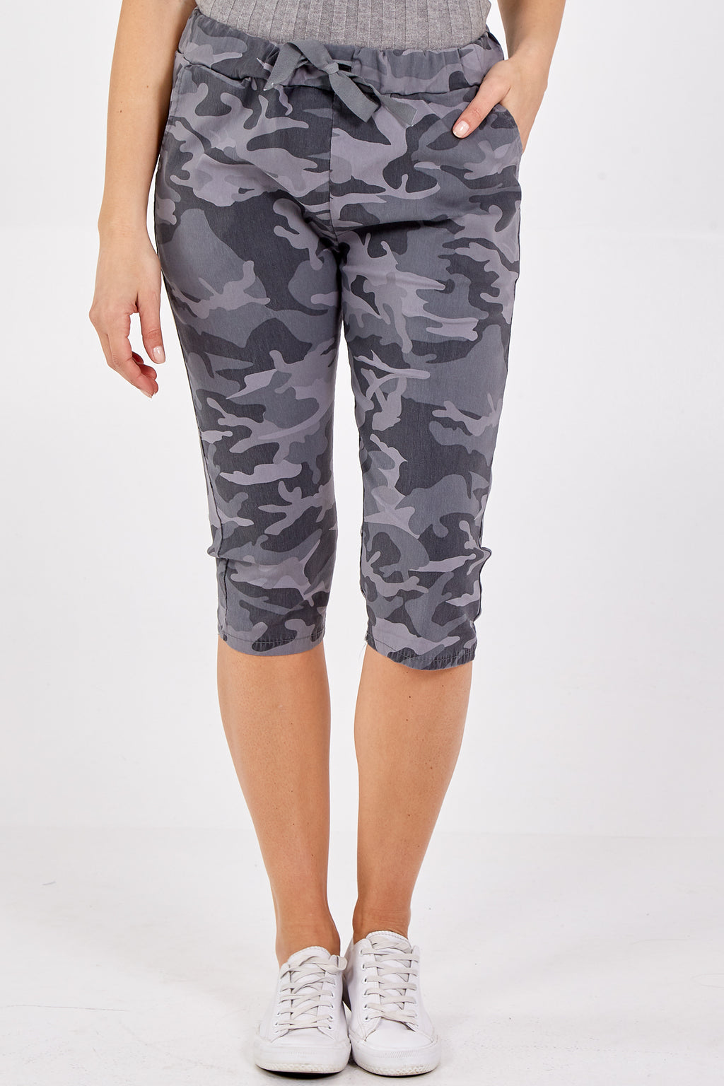 Magic Camouflage Cropped Trousers