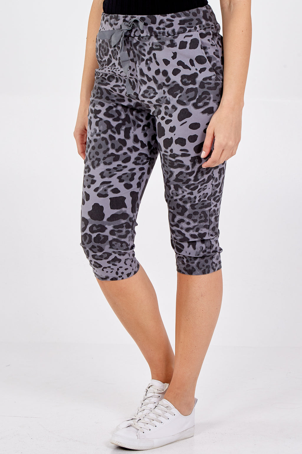 Magic Leopard Print Cropped Trousers