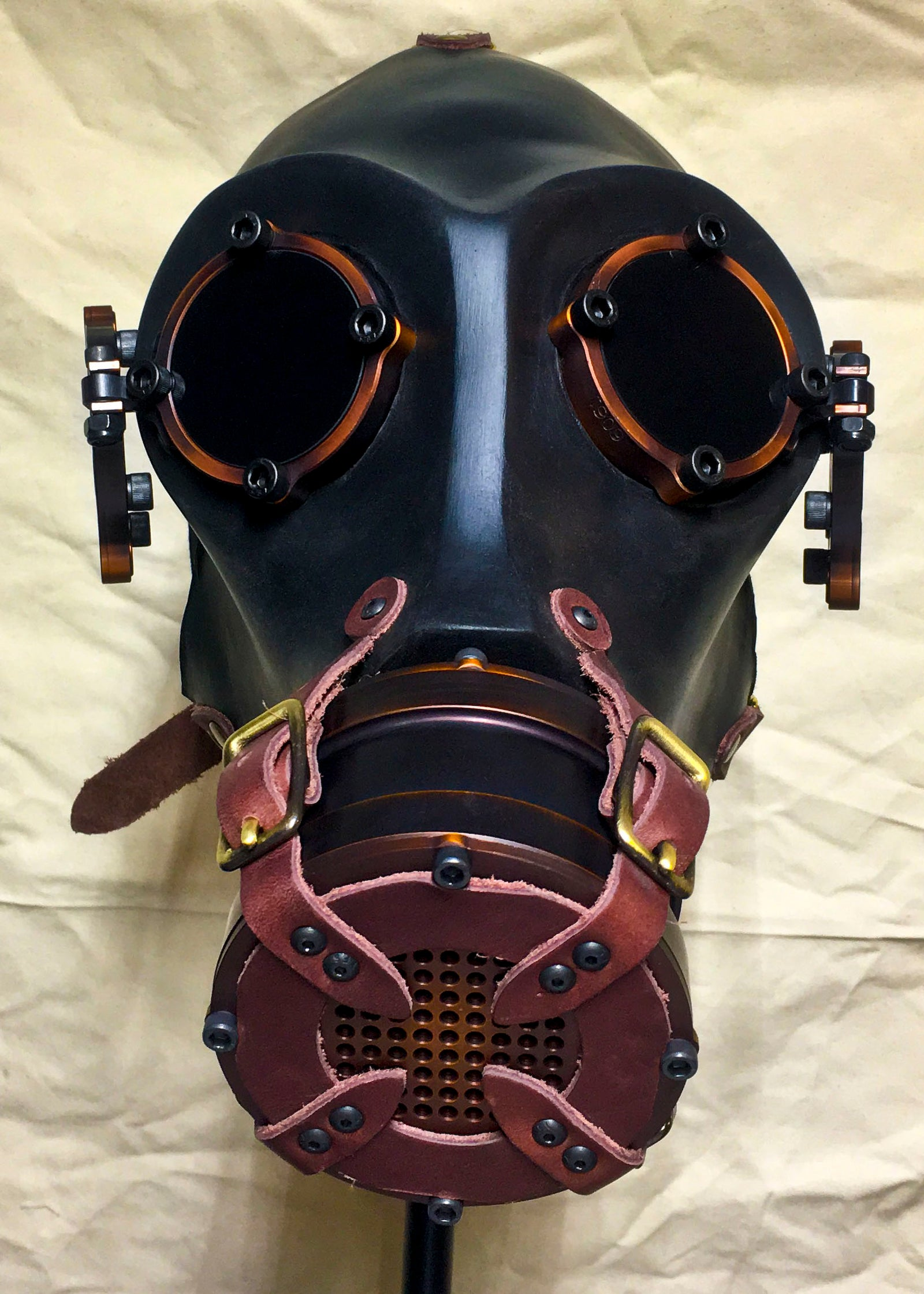 Gas Mask - War - Burgundy