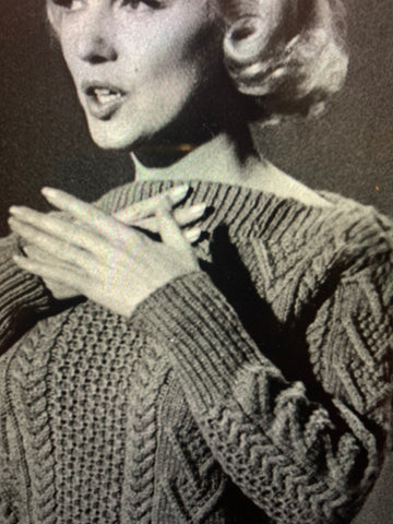 Marilyn in Honeycomb centre (sweater 1)