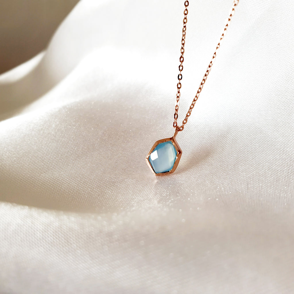 Hexagon Calcedonia Necklace Rose gold