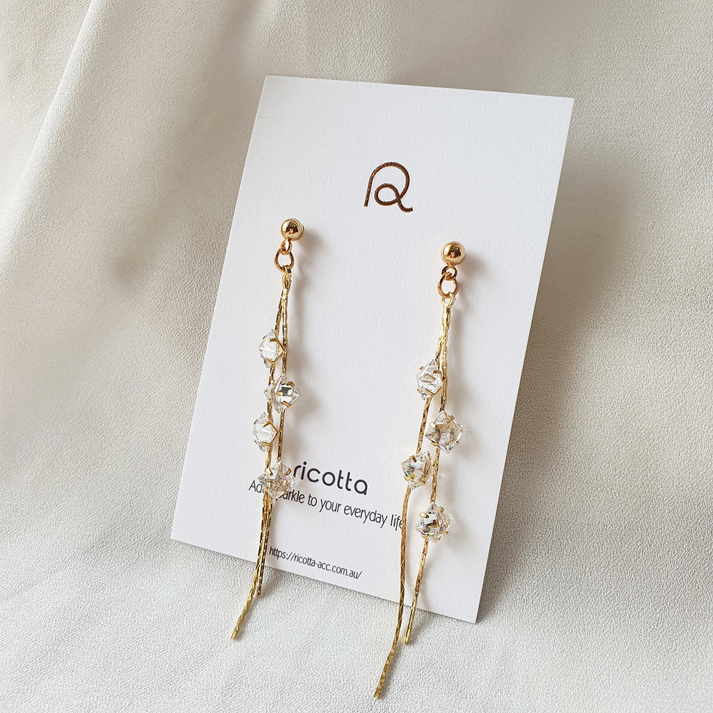 Satrian Earrings Gold