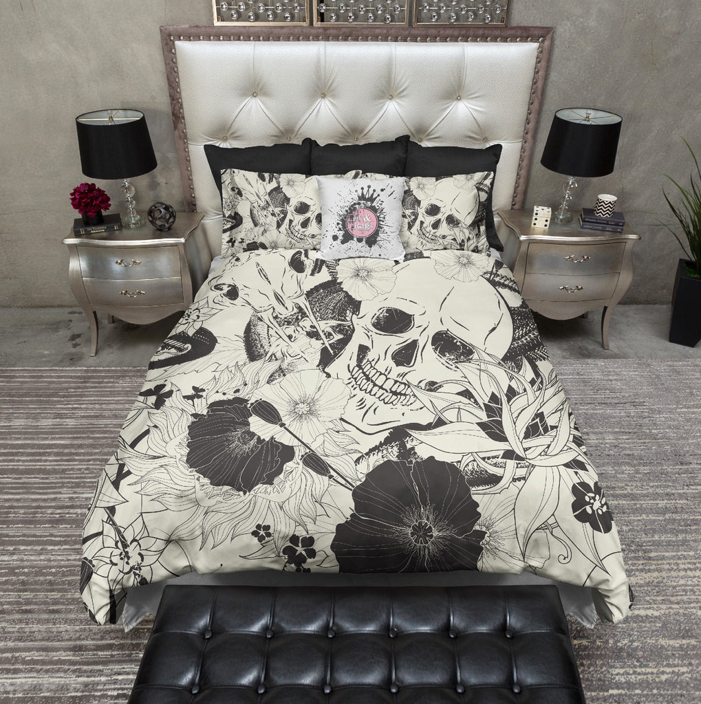 Striking Black Sabertooth Serpent and Skull Bedding CREAM