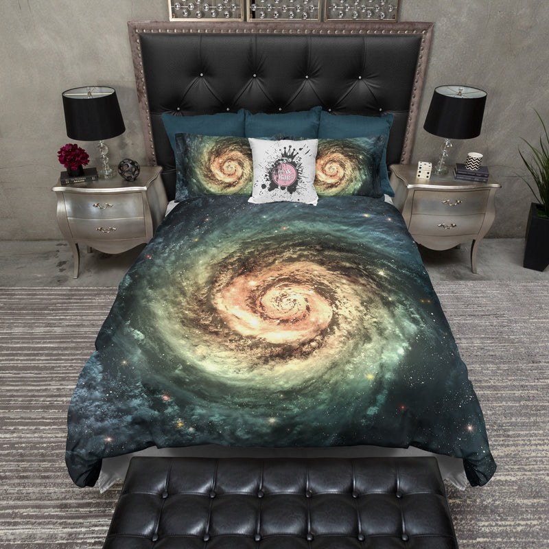 Golden Eye Nebula Galaxy Bedding