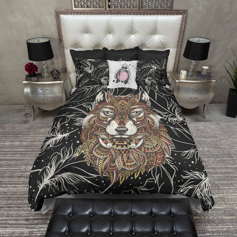 Abstract Wolf and Feather Bedding CREAM