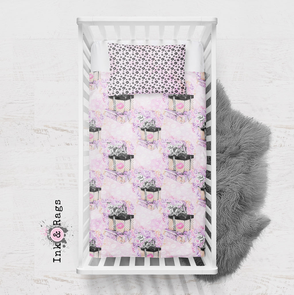 Pug Love A Girls Best Friend Fashion Crib and Toddler Bedding