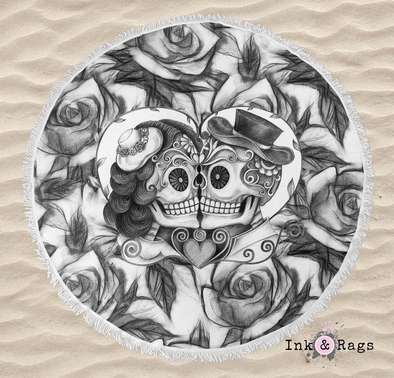 Pencil Sketch Rose Kissing Couple Sugar Skull Round Beach Towel
