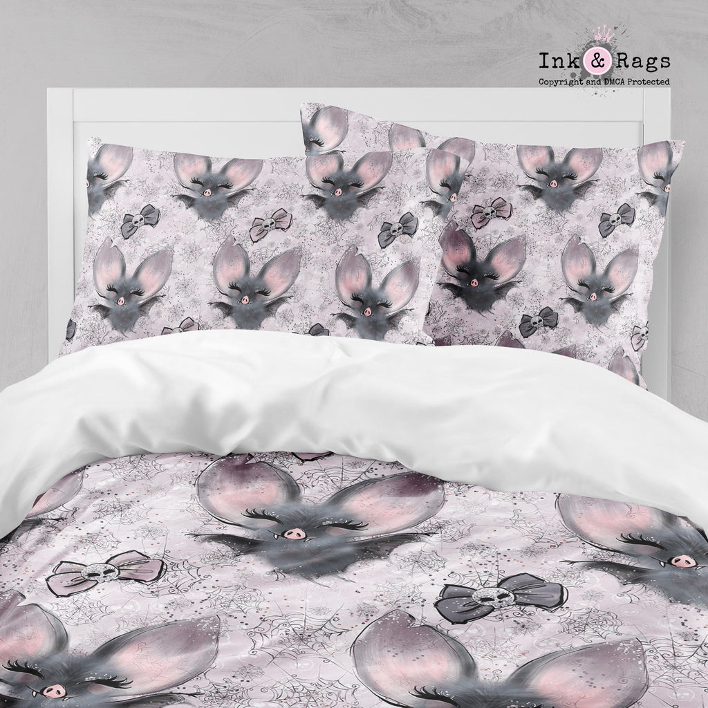 Little Bats and Bows with Spider Webs and Skulls Big Kids Bedding