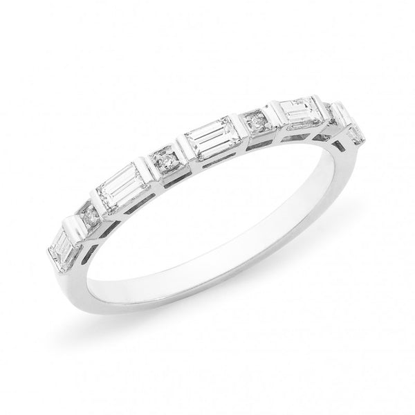 Baguette & Round Brilliant Diamond Band