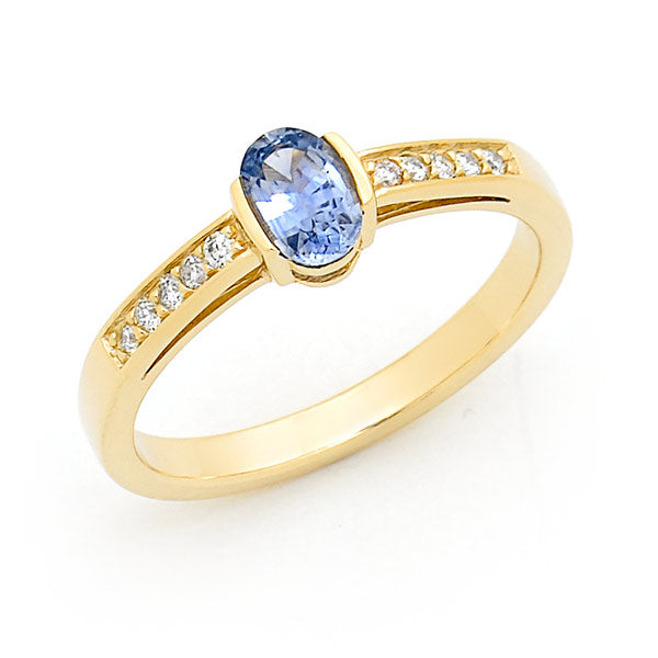 Ceylon Sapphire with Diamond Shoulders