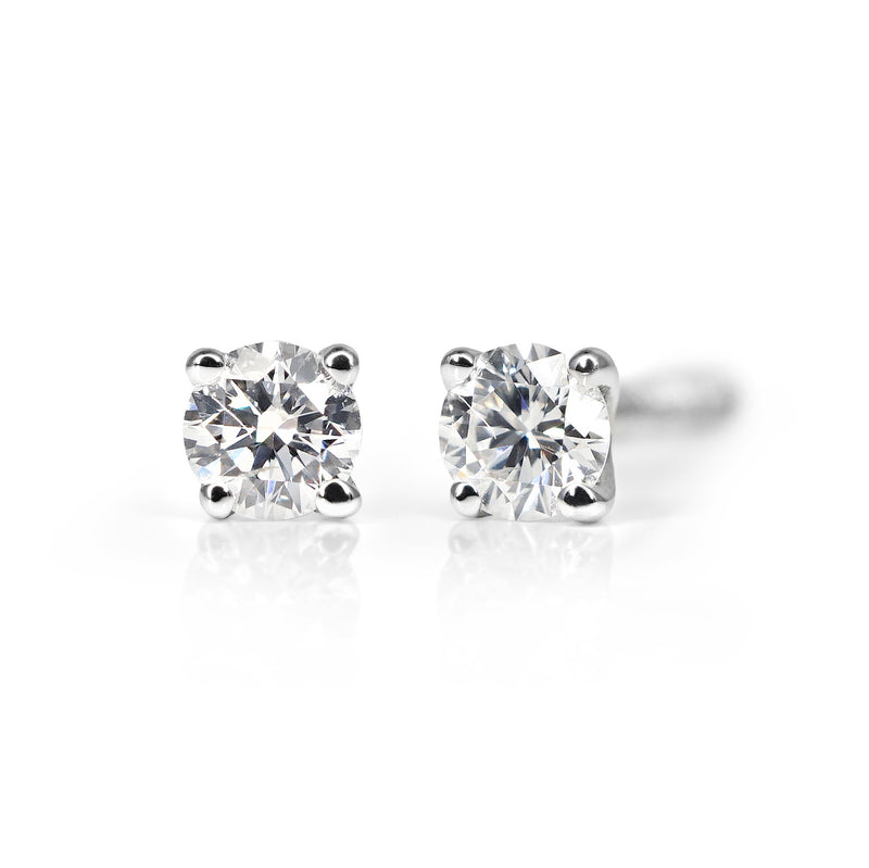 9ct Diamond Stud Earrings - 0.10ct TDW