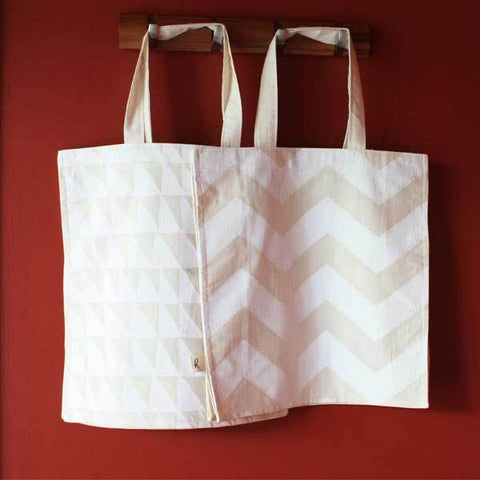Living - Organic Cotton Screen Printed Bag - White Aspen Zig/Tri