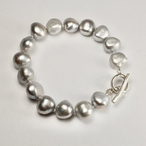 Wabi Sabi Grey Medium Pearl Bracelet