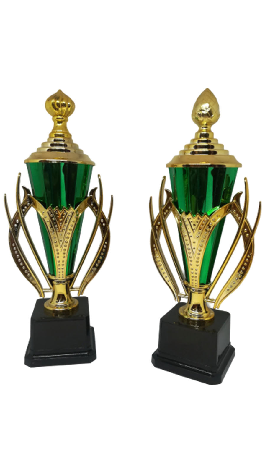 S05 - Plastic Cup Trophy Gold & Green