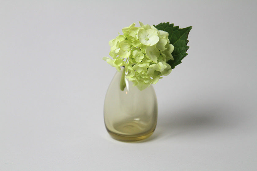 Flower Bud Vase Vertical - Tan