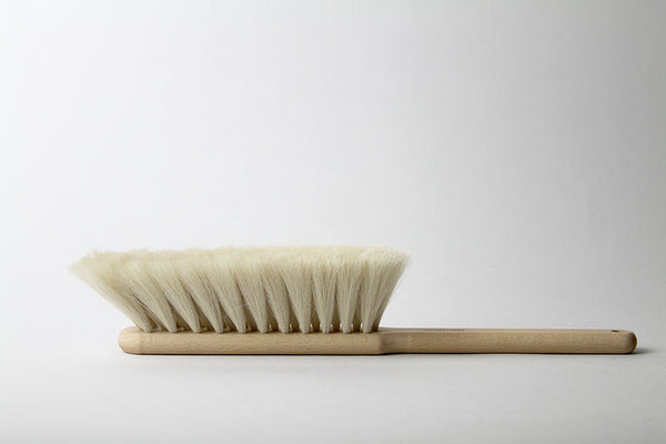 Iris Hantverk Natural Oak & Horsehair Dust Brush