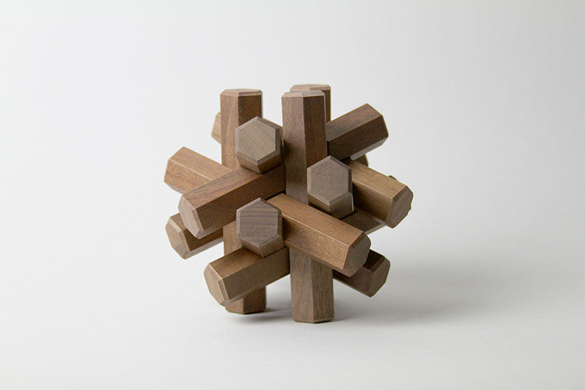Large Interlocking Wooden Puzzle 12 Pieces (Walnut) - Monolier