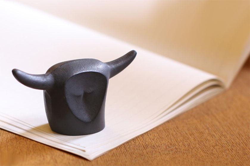 Nanbu Cast Iron Paperweight Cow