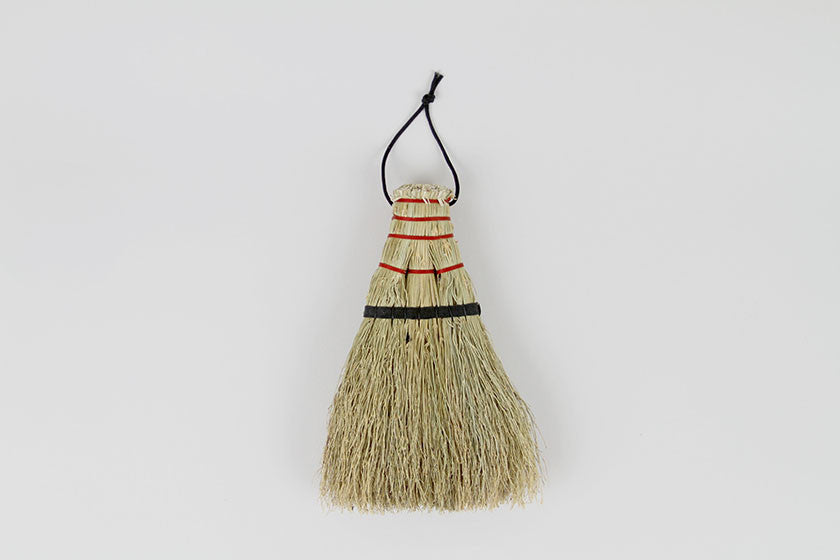 Shirokiya Denbe Hand Broom - Kamenoko