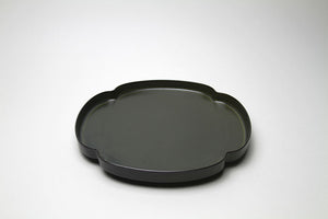 Mizu-Mizu Tsudoi Shallow Plate with Iron Black Glaze