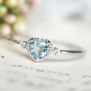 Women'S Silver Sea Blue Heart Shaped Sapphire Engagement Ring
