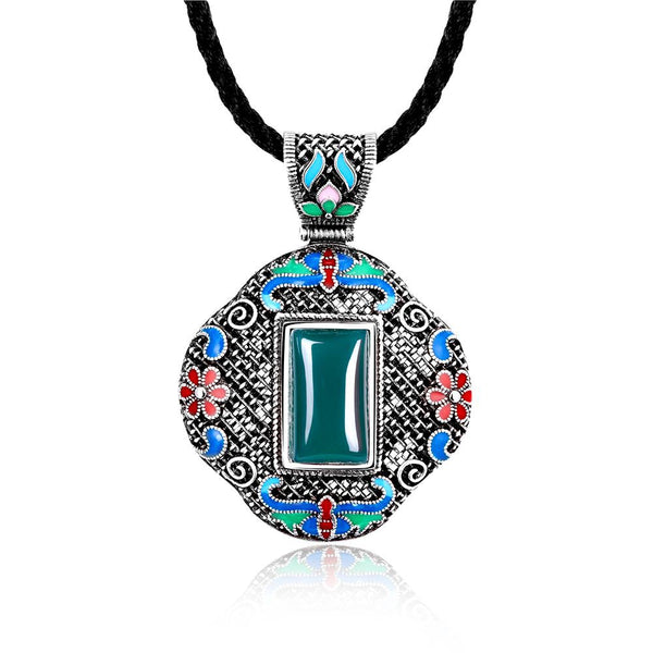 N005-C Women Antique National Style Carving Pendant Necklace