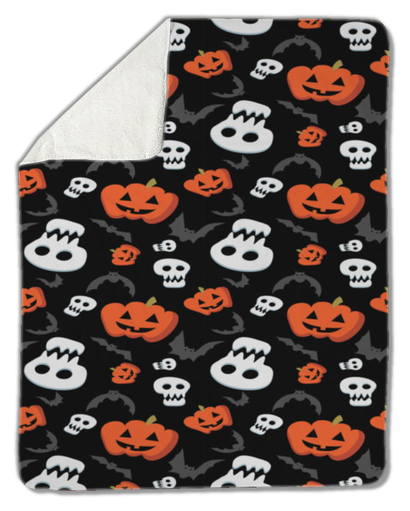 Blanket, Funny halloween pattern with skulls, bats and pumpkins