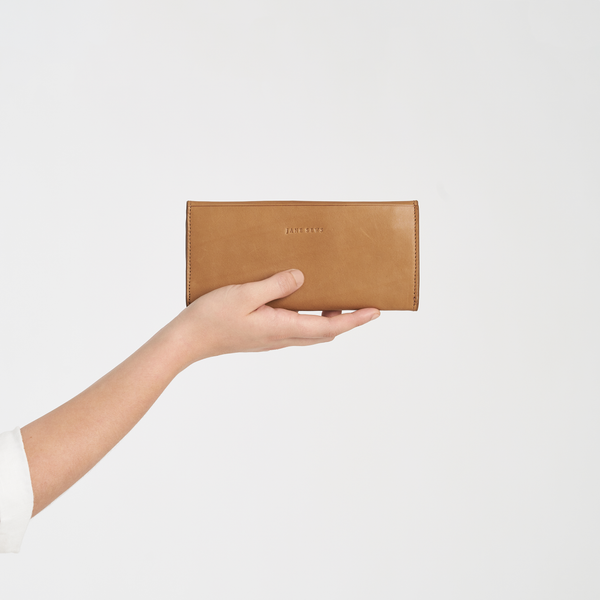 THE CLASSIC WALLET - TAN