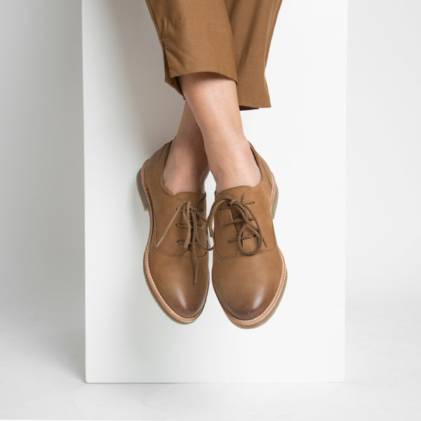 OXFORD SHOE - CAMEL