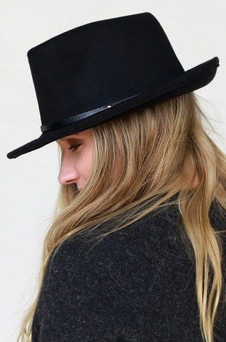 BLACK FAUX WOOL FEDORA