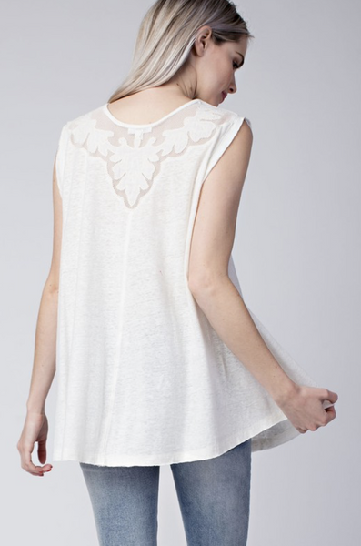 WHITE SHOULDER DETAIL TANK