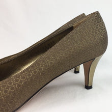 Load image into Gallery viewer, The Ferragamo Pump - 8.5