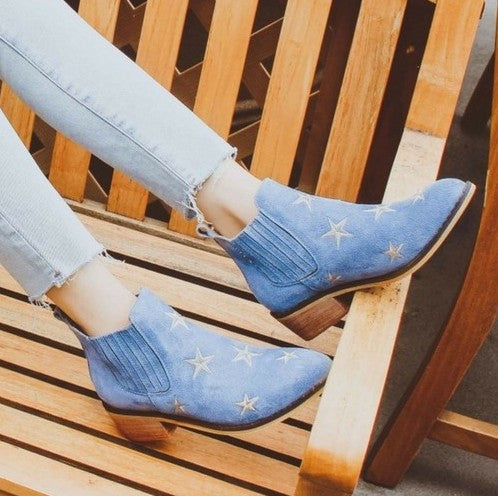 """Tetsu"" Star Embroidered Cowboy Ankle Boots - Light Blue"