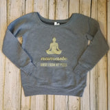 """Namaste Away From My Pizza"" Off the Shoulder Graphic Sweatshirt - Dark Gray/Metallic Gold"