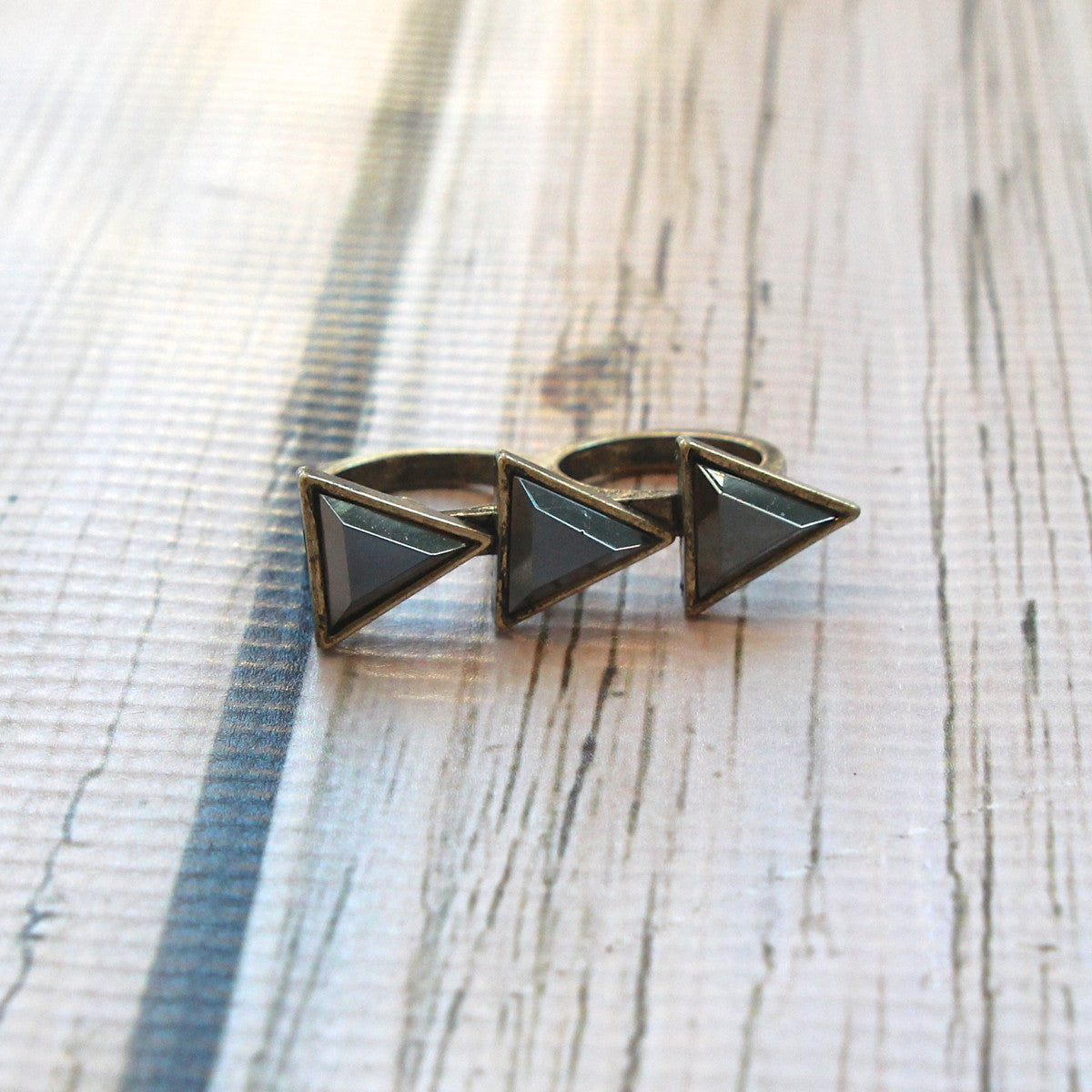 Triple Triangle Double Finger Ring - Black